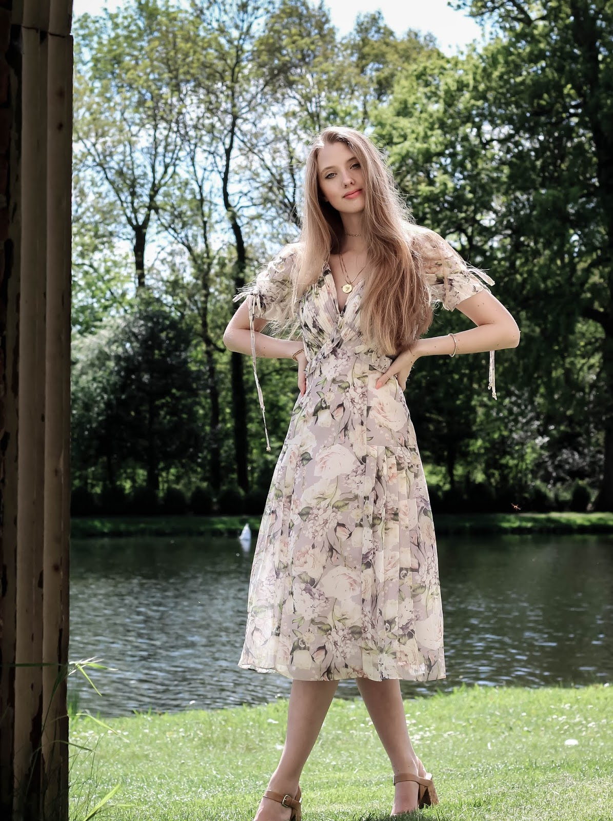 British Blogger Romantic and Feminine Style Tea Dress
