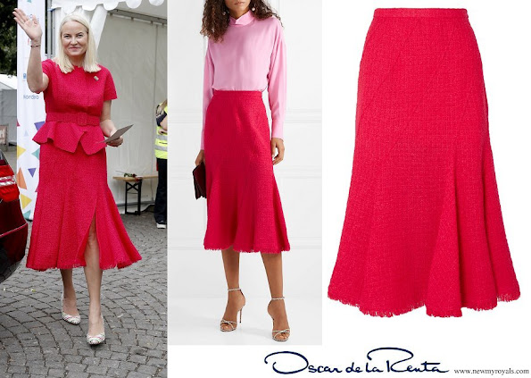 Crown Princess Mette-Marit wore OSCAR DE LA RENTA Frayed wool-blend tweed midi skirt