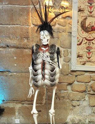 quentin--veron--fur--skeleton--feutre