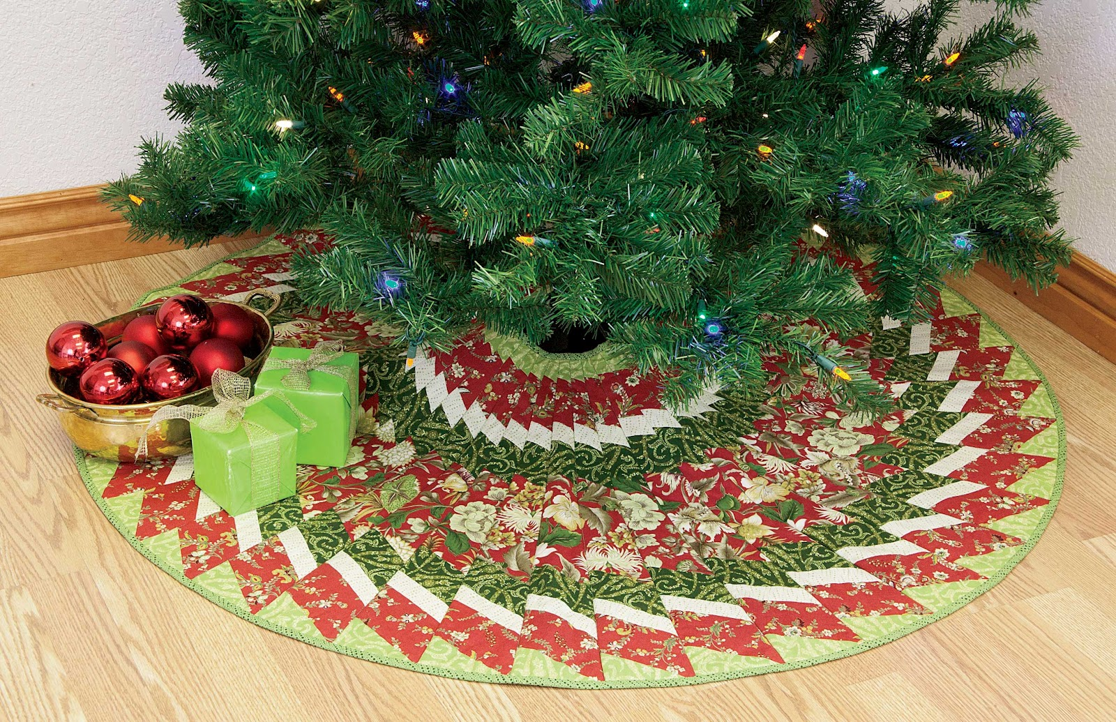 Welcome To: 12 Days Of Best Christmas Quilts