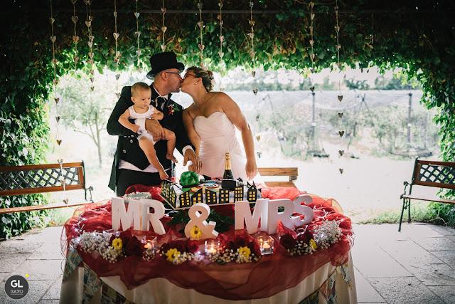 Taglio torta matrimonio porticato