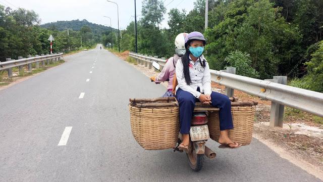 En moto en la Isla de Phu Quoc