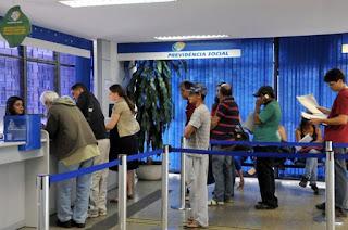 http://vnoticia.com.br/noticia/3059-aposentados-comecam-a-receber-1-parcela-do-decimo-terceiro