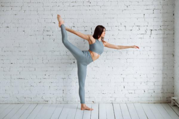 Tư thế Yoga nào phù hợp với cung hoàng đạo của bạn