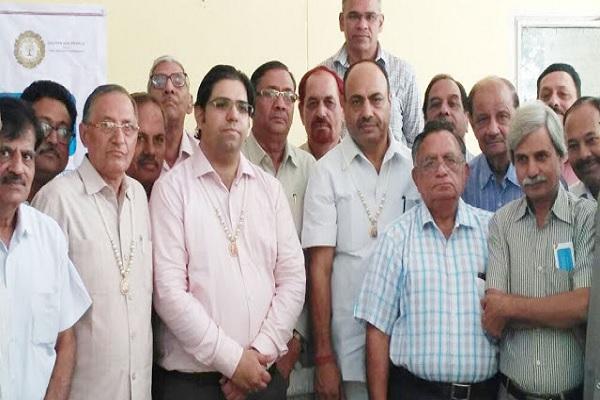 golden-age-vipul-sanstha-swastha-charcha-ka-ayojan-news