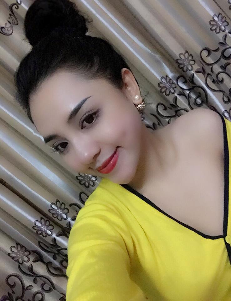 Hot Girl Trang Ấn