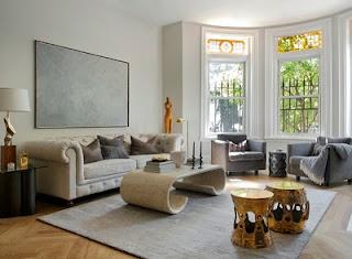 sala con sofás beige
