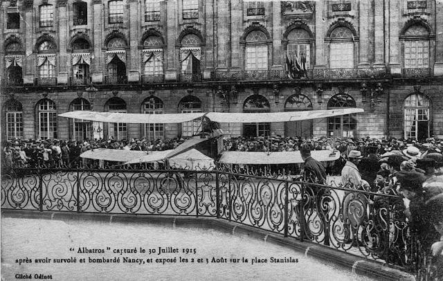 NANCY (54) - Quand la Place Stanislas exhibait des avions allemands (1915-1918)