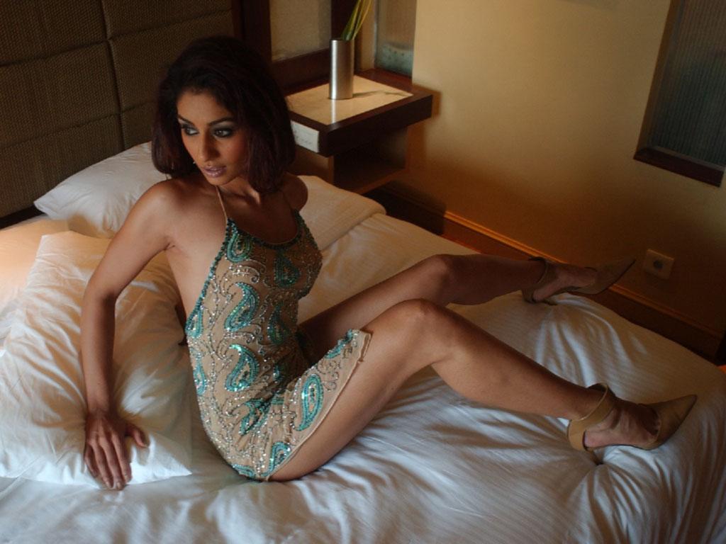 mahek chahal hot bollywood - photo #32