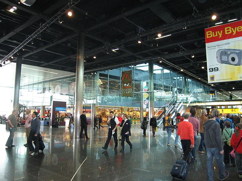 Muslim Dihambat di Pelabuhan dan Bandara Inggris, Ada Apa?