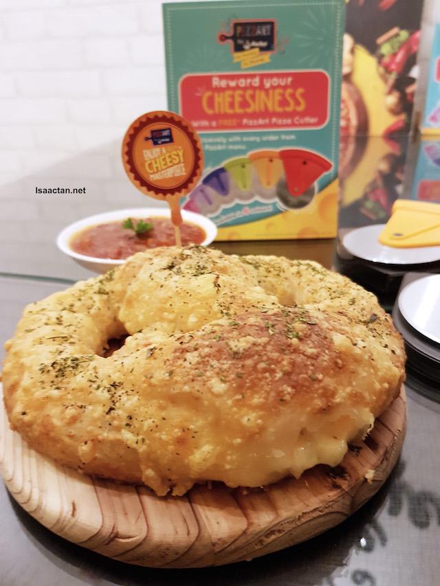 Cheese Pretzza