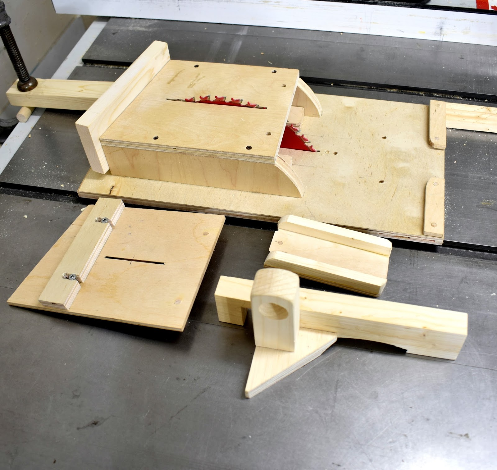 Jax design table saw jig for wooden spoons