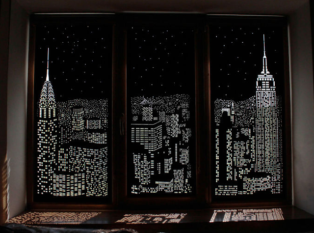 Tirai Konvensional Yang Mengubah Kamar Menjadi Pemandangan Perkotaan New York