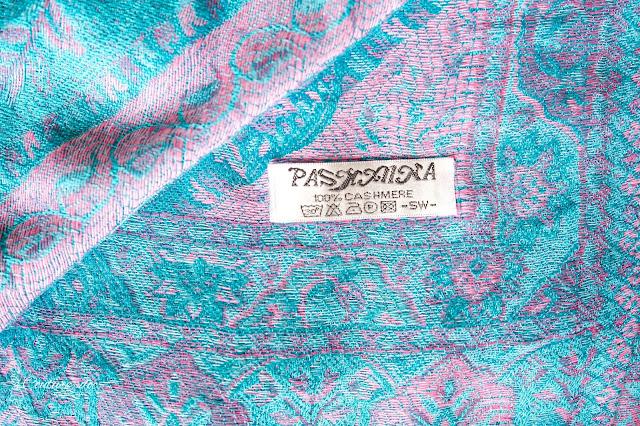 tkanina pashmina z motywem paisley