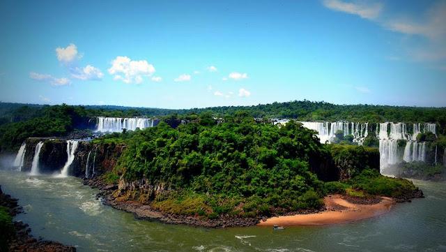 El Parque Nacional Iguazú recibió al turista número un millón