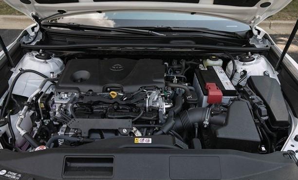2018 Toyota Camry SE 2.5L