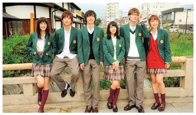 Naho Takamiya (Tao Tsuchiya) adalah siswa SMA tahun kedua. Selama musim semi, Naho Takamiya menerima surat yang dikirim oleh dirinya dari 10 tahun di masa depan. Dalam surat itu, ia menyukai murid pindahan bernama Kakeru Naruse (Kento Yamazaki). Kakeru Naruse membawa bekas luka emosional dari tindakan bunuh diri ibunya, dan ia meninggal satu tahun kemudian. Naho yang beranjak dewasa selalu memikirkan tentang Kakeru Naruse.
