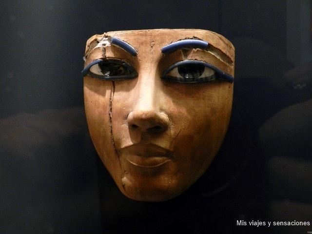 Máscara funeraria egipcia, Museo del Louvre, París