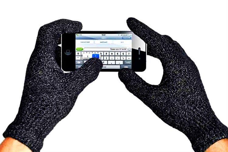 Dokunmatik ekran eldiveni özel dokunmatik ekran etkileşimi sayesinde kışın ellerinizin sıcak kalmasını sağlamaktadır.