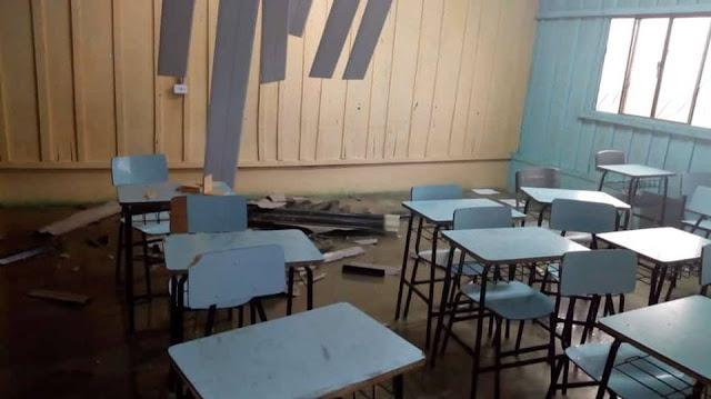 Temporal destrói telhado de escola na linha 29-C