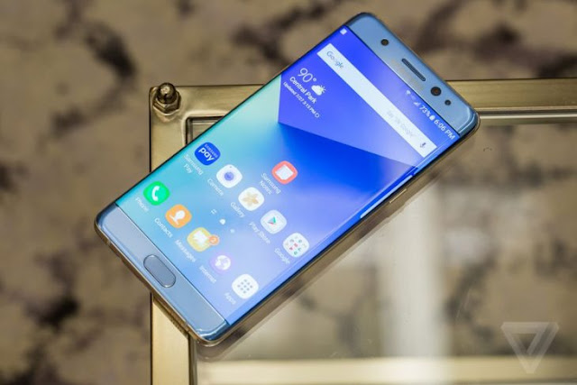 El Samsung Note 7 llega con escáner de iris y pantalla curva