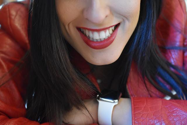 Piekny, zdrowy i biały usmiech jest w modzie!