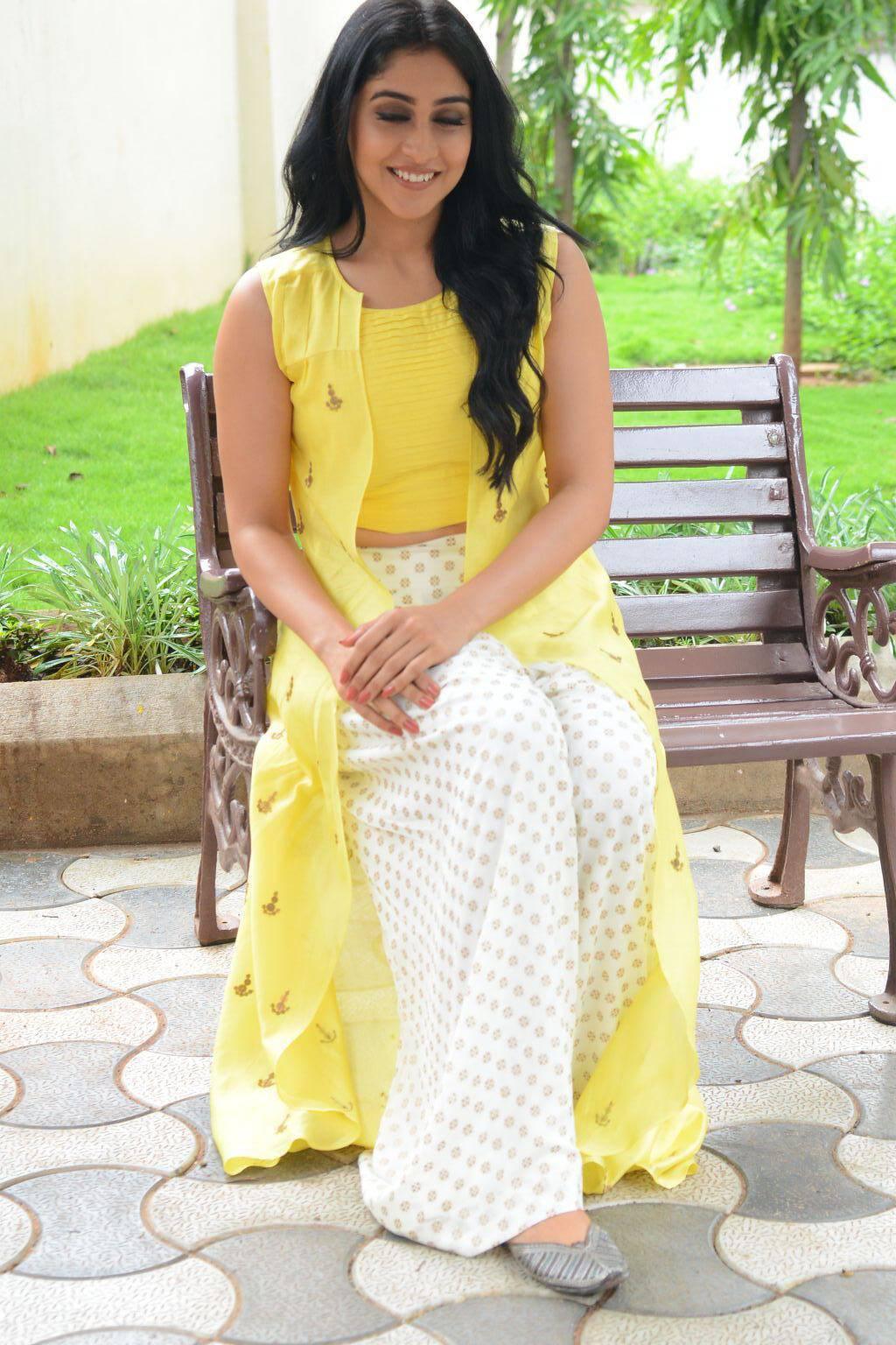 Regina Cassandra Hot In Yellow Dress