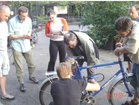 Lambeth Cyclists' cycle maintenance class on lambethcyclists.org.uk