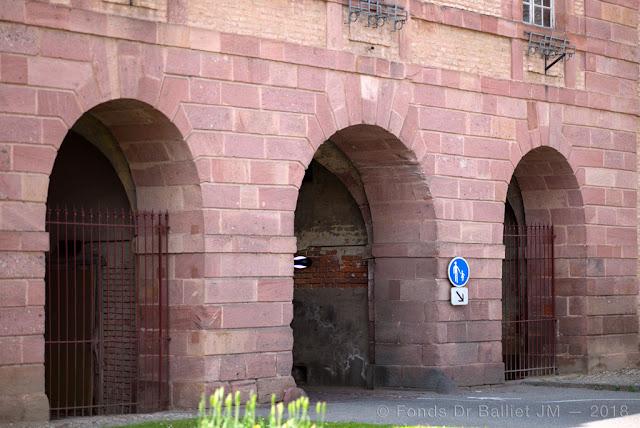 Neuf-Brisach — Porte de Colmar, pavillon et poste de garde