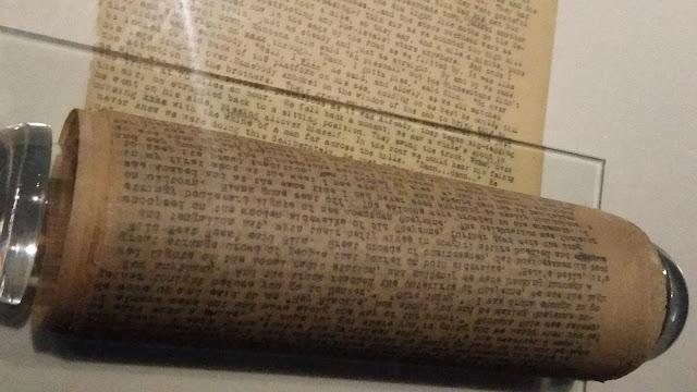 Kerouac-On-The-Road-Original-Scroll-Manuscript