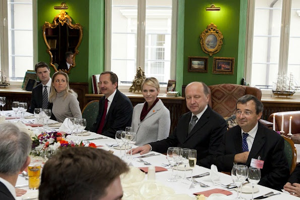 Mme Irena Degutiene, President of the Parliament, and the Prince and Princess will lunch with Mr. Andrius Kubilius