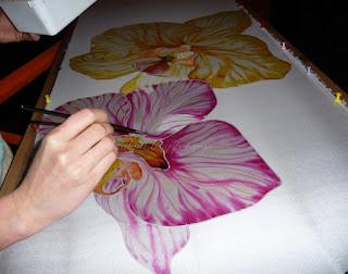 ręcznie malowany jedwab, orchidee, praca powstaje na potrzeby parawanu