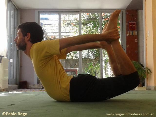 Yoga y columna vertebral: posturas de flexión hacia atrás (extensión)