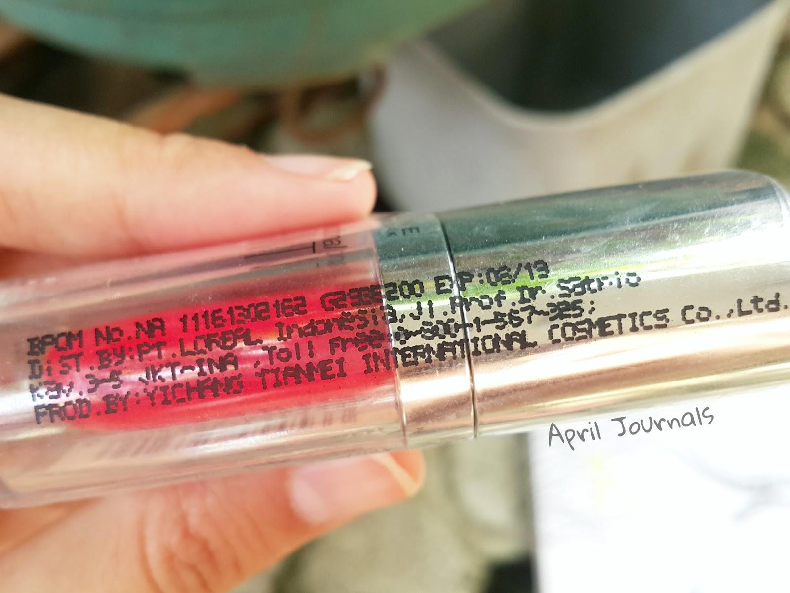 Nah apabila plastik tersebut dibuka hilanglah semua informasi yang terkait dengan Maybelline lip tint ini dengan menyisakan tube polosan hanya ada tulisan