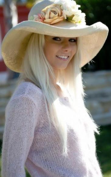 эротика блондинка показала письку в саду http://eroticaxxx.ru/ красивая эротика фото