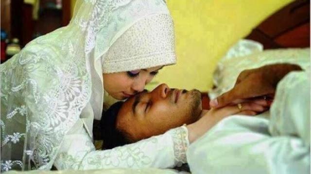 Bukan Onani, Ini 2 Macam Interaksi Intim yang Halal Dilakukan Oleh Suami Ketika Istri Haid