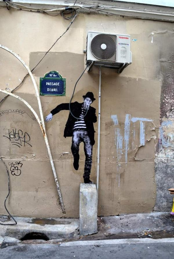 Paris Street Art by Charles Level