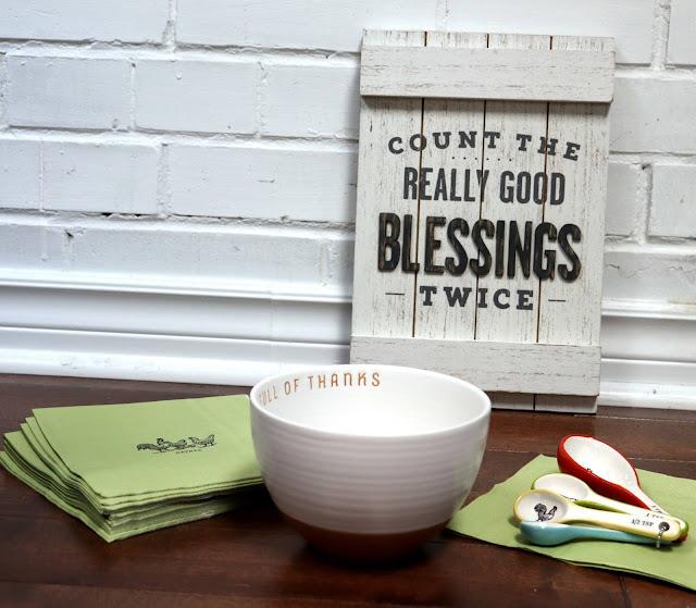 hallmark thanksgiving decor