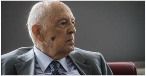 Grillo sragiona, ma Napolitano