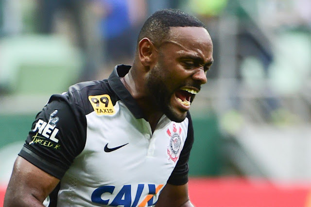 Love marcou no Palmeiras e evitou a derrota do Corinthians (foto: Djalma Vassão/Gazeta Press)