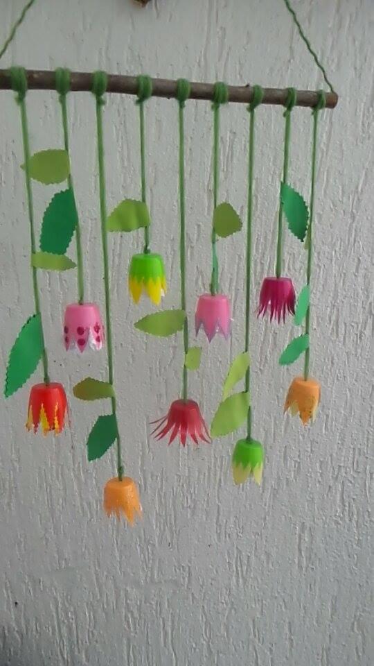 Kita ideenkiste nicht nur f r erzieherinnen fr hlingsblumen deko aus kunststoffbechern - Wandgestaltung kinder ...