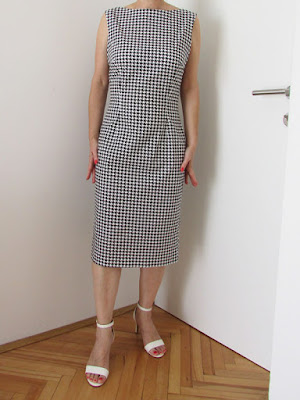 http://ladylinaland.blogspot.hr/2017/10/houndstooth-wiggle-dress.html