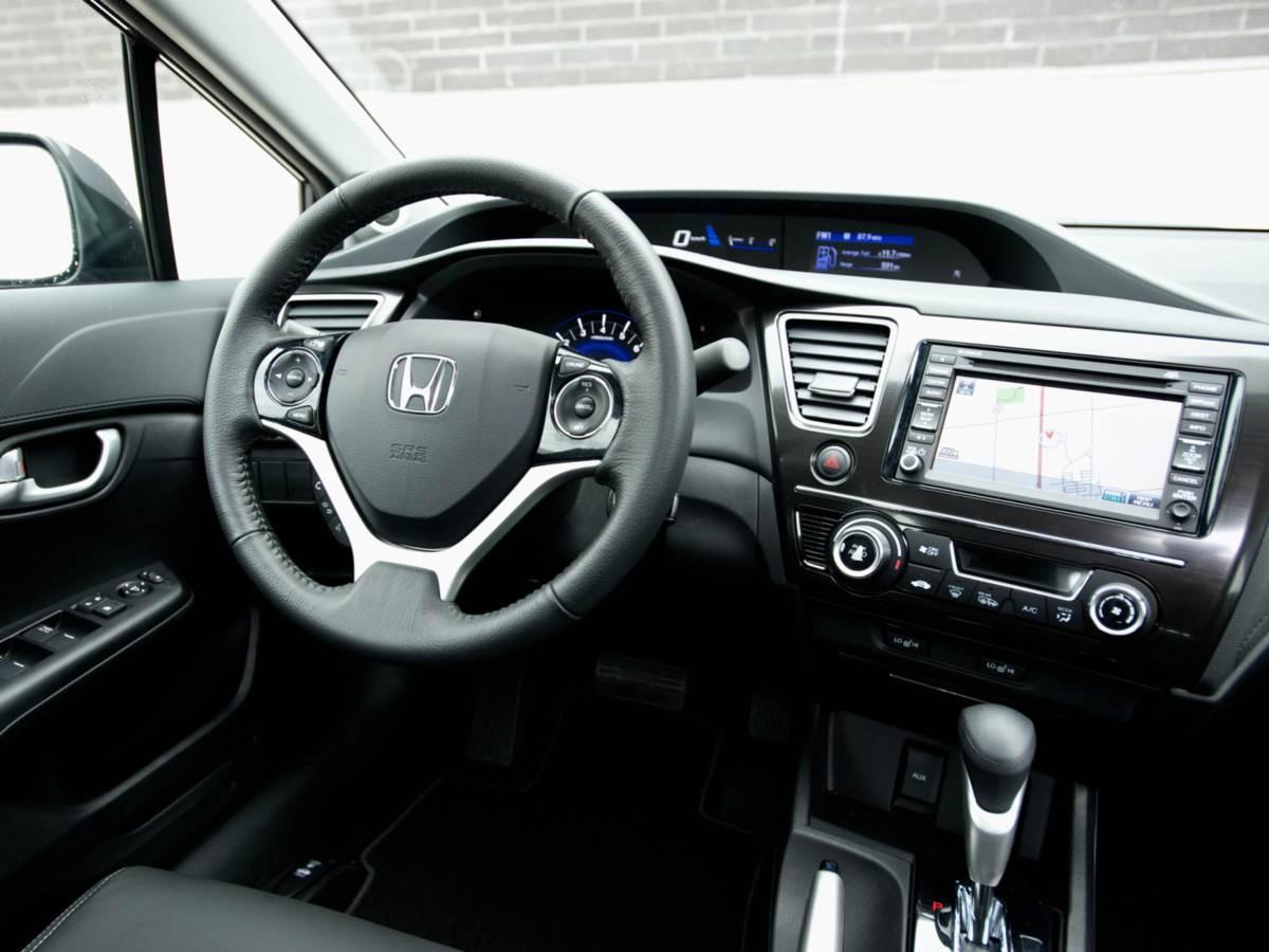 Honda civic reestilizado chega europa car blog br for 2013 honda civic interior