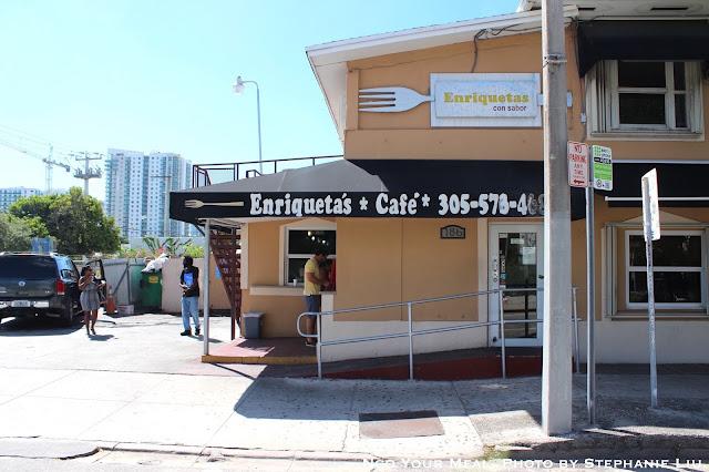 Eating at Enriqueta's