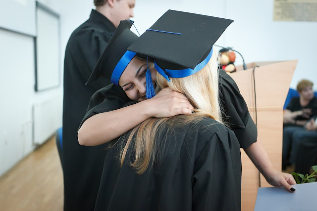 αστειες ευχες, Ευχές, φοιτητής, φοιτητική ζωή, πτυχίο, αποφοίτηση,