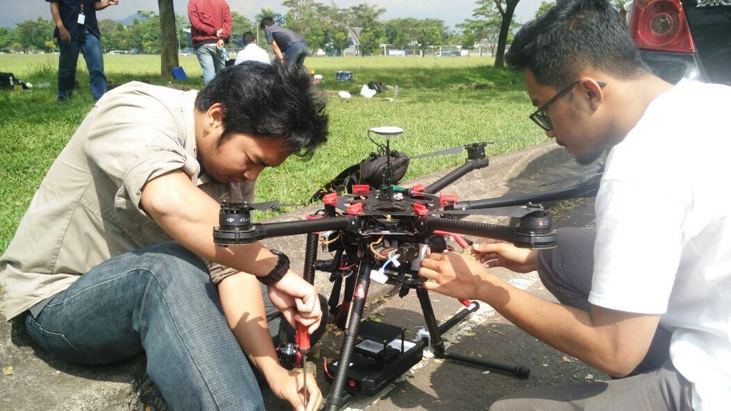 Mempersiapkan Hexacopter untuk Survey Geomagnetik