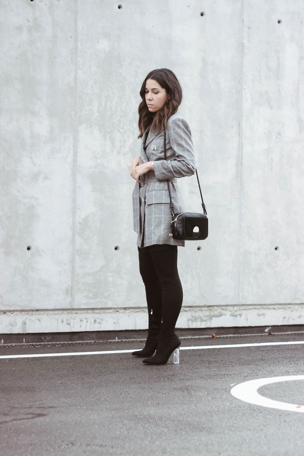 BLAZER DRESS AND OVER THE KNEE BOOTS