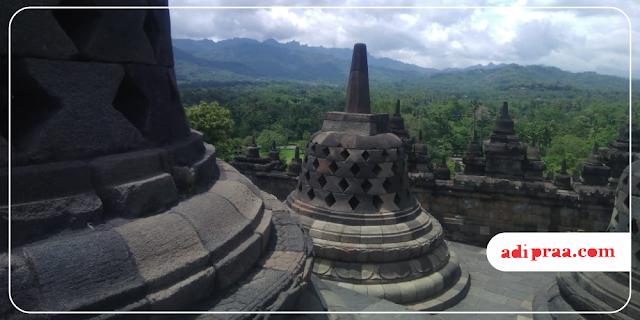Stupa Candi Borobudur | adipraa.com