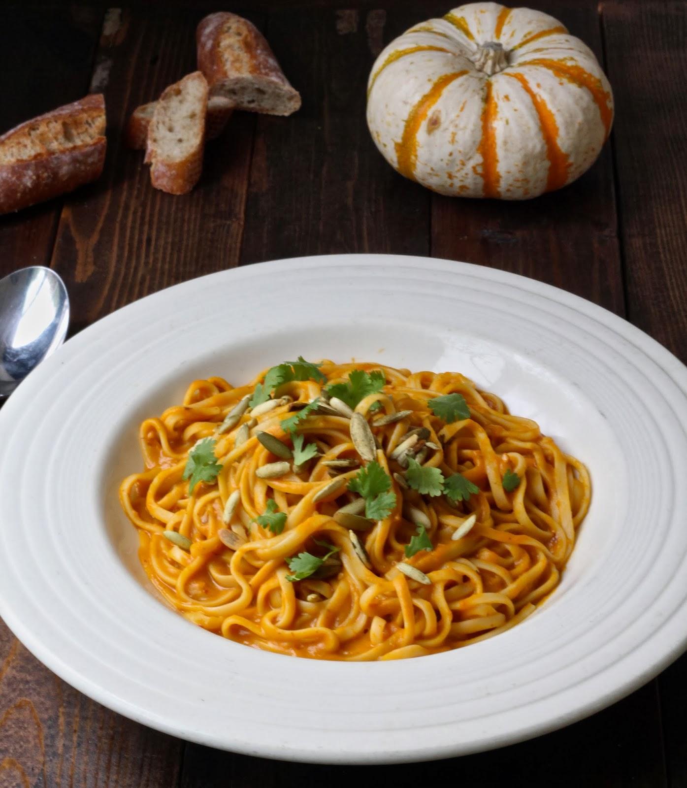 Vegan Linguine with Chipotle Pumpkin Cream Sauce - Le ...