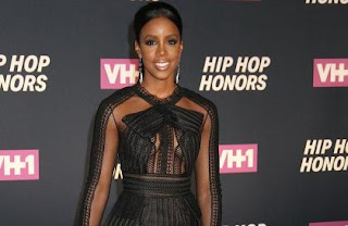 Kelly rowland to get a second boob job